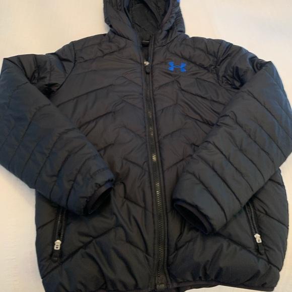 Black hooded youth large underarmour jacket